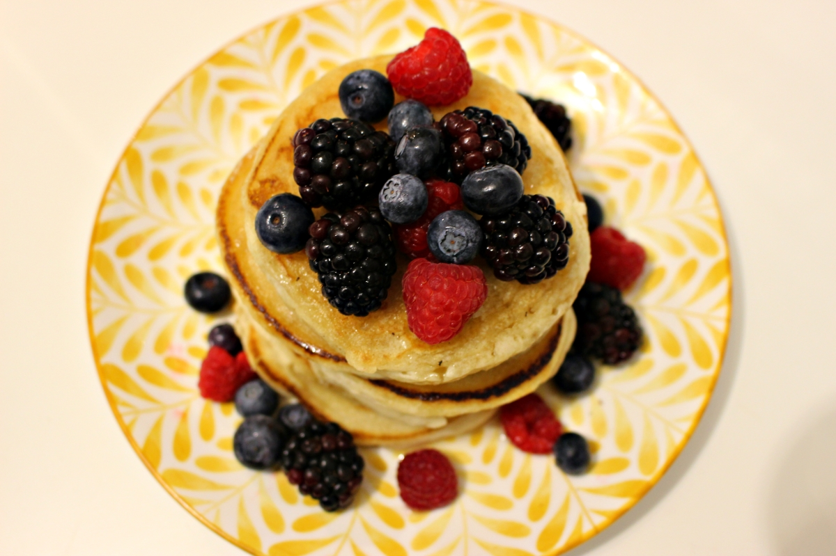 Berry Fluffy Pancakes - Vegan Recipe!