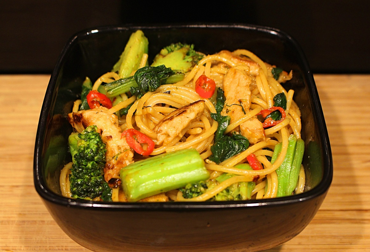 'Chicken' Chow Mein - Vegan Recipe!