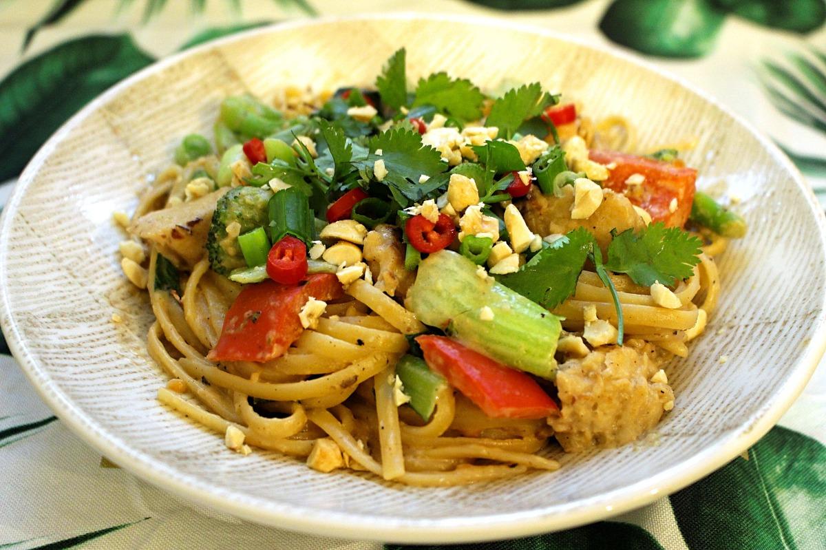 Chicken & Veggie Pad Thai