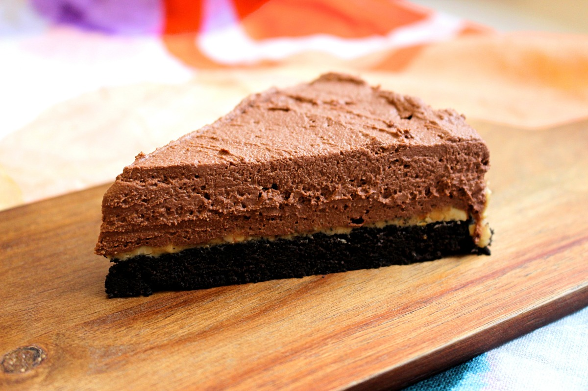 Chocolate, Peanut Butter & Oreo Cheesecake - Vegan Recipe!