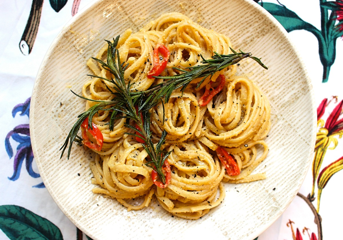 Chilli & Rosemary Hummus Linguine